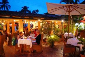 Marks_Bar_Grill_Bucerias_Patio