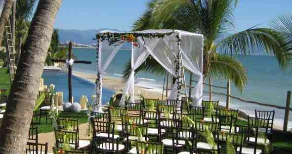 Martoca_Beach_Garden_Mexico_Wedding